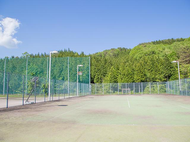 テニスコートの紹介です